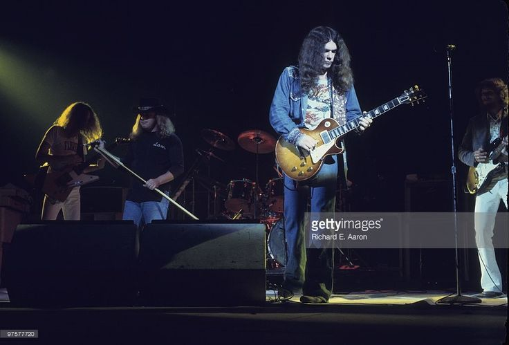 Lynyrd Skynyrd perform live on stage in New York in October 1976 L-R Allen Collins, Ronnie Van Zant, Gary Rossington, Steve Gaines