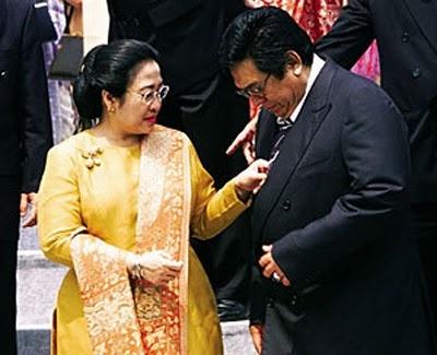 wisbenbae: Foto2 Mesra Para Presiden Indonesia mulai dari Soekarno sampai SBY