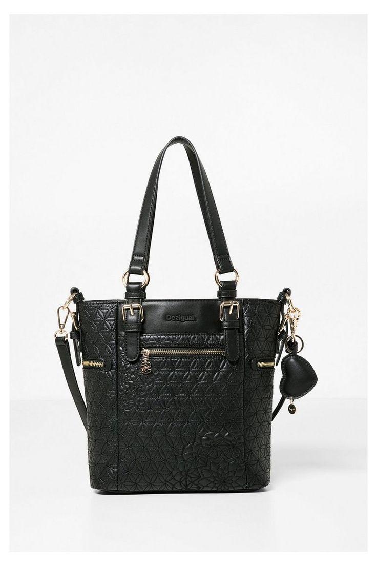 Bolso negro con detalles 3D Desigual. ¡Descubre la colección otoño-invierno 2016!