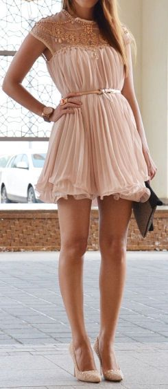 Blush Tulle Dress ♥ Need it a bit longer for my tall self, but cute :)