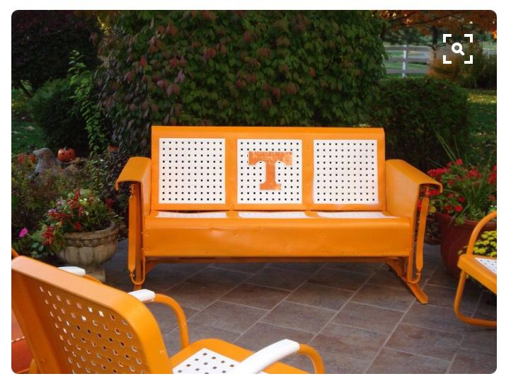 Great idea to refurbish an old glider patio set!