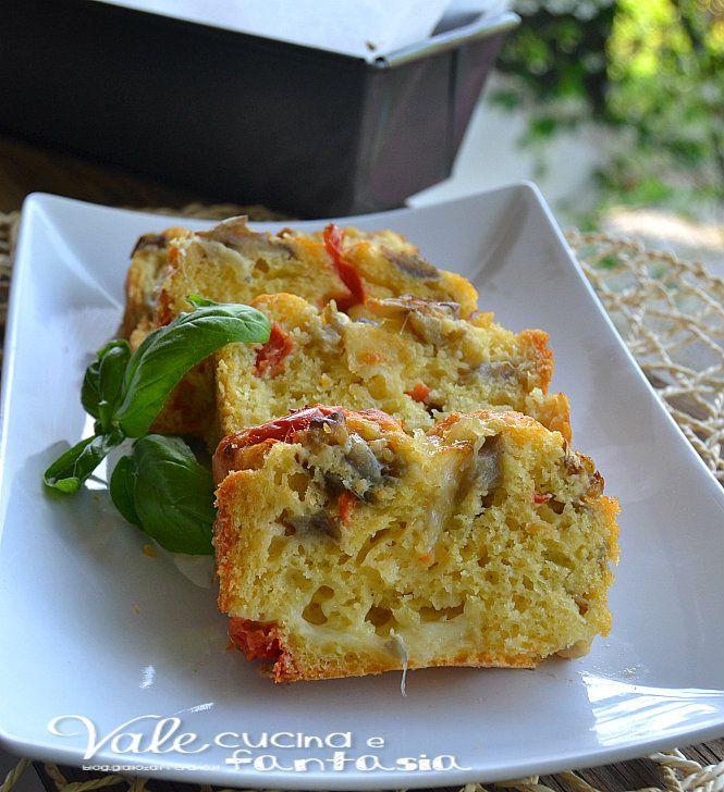 Plumcake salato con melanzane,mozzarella e pomodorini una ricetta facilissima ideale per feste,buffet aperitivi antipasti, goloso e sofficissimo