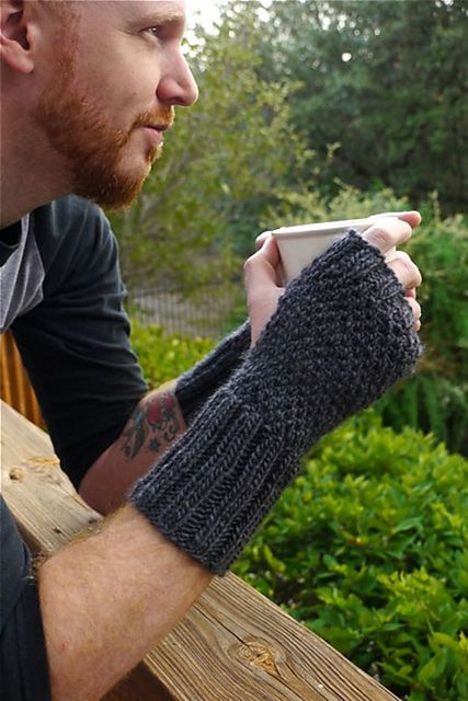 Hand-tastic Unisex Wrist Warmers by Vickie Howell