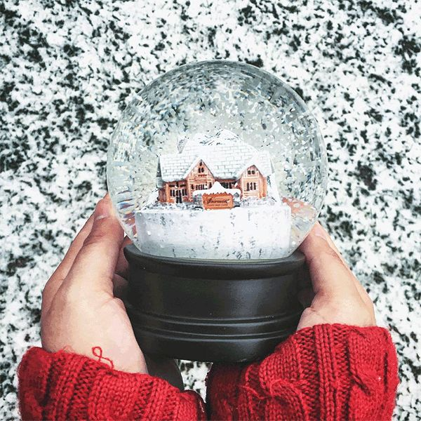 2016 Lineup: Christmas in November - Canada's best foodie event of the year! Featuring Food Network Canada chefs, decor tips, Christmas crafts, and holiday recipes. All at the beautiful Fairmont Jasper Park Lodge.