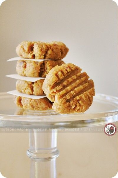 raw vegan peanut butter cookies.   1 cup raw, or dry-roasted, whole almonds (or almond meal) 1 cup pitted medjool dates ½ cup natural peanut butter (or other nut butter) 1½ teaspoons pure vanilla extract  Blend in food processor/blender than form into cookies...that's it!