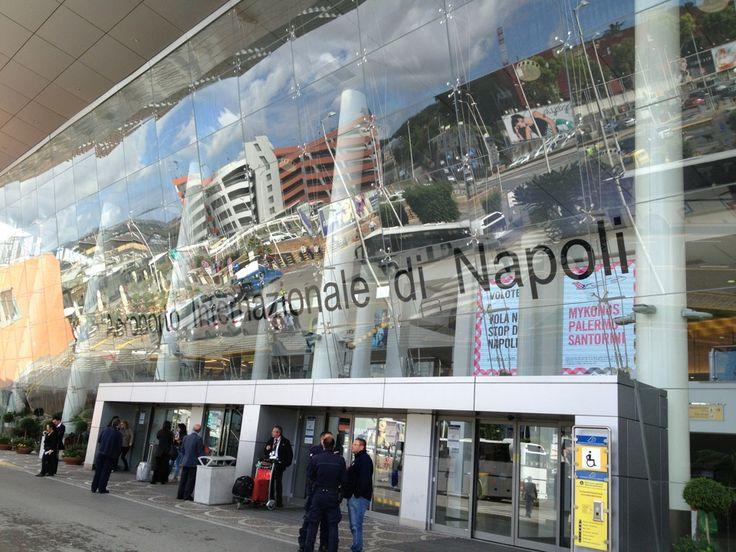 """Aeroporto Internazionale di Napoli Capodichino """"Ugo Niutta"""" (NAP) nel Napoli, Campania"""
