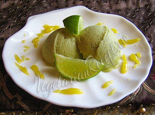 Никто не догадается, что это мороженое из авокадо. А если вы добавите в мороженое лайм, успех обеспечен.