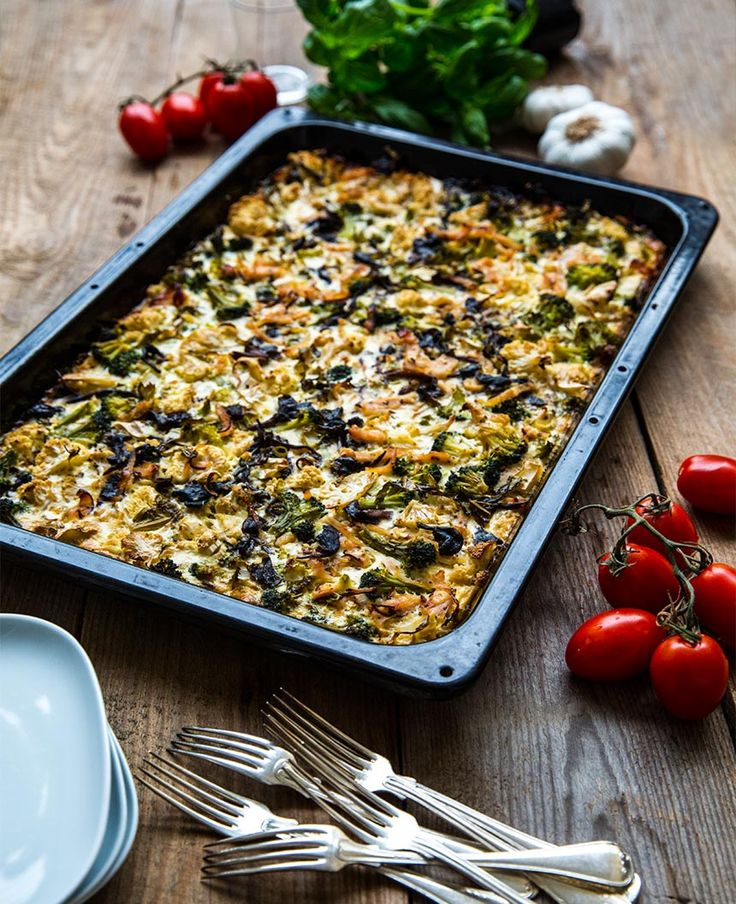 Grönsaker rökt kalkon: Enkel vardagsgratäng med blomkål, broccoli och kalkon