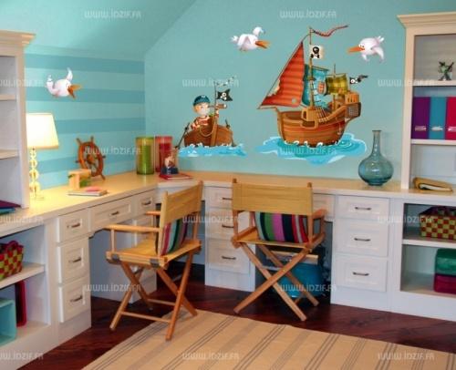 Stickers bateau pirate  http://www.idzif.com/idzif-deco/stickers-enfant/stickers-pirates-et-stickers-marins/produit-stickers-bateau-pirate-1371.html?id_article=1371
