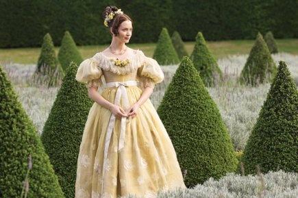 [1830] Robe inspiration Victoria, Les jeunes années d'une reine