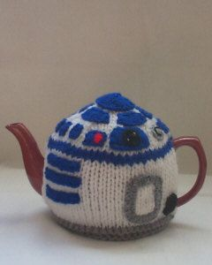 Get the R2D2 tea cosy knitting pattern on instant download https://www.etsy.com/uk/listing/187912971/starwars-r2d2-tea-cosy-knitting-pattern?