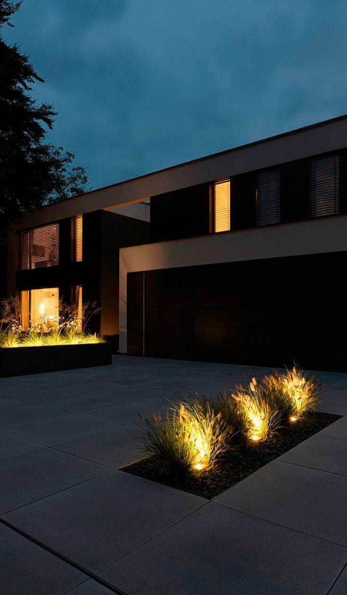 Inspirational Moderner Vorgarten mit Hochbeet Ziegr sern und individueller Beleuchtung