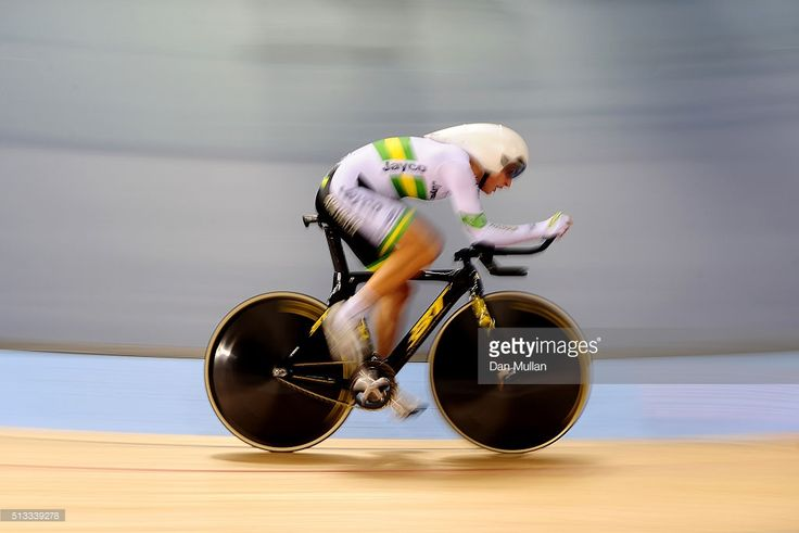 Rebecca Wiasak of Australia competes in the Womens Individual Pursuit final during the UCI Track Cycling World Championships at Lee Valley Velopark Velodrome on March 2, 2016 in London, England. #TWC2016 #rm_112