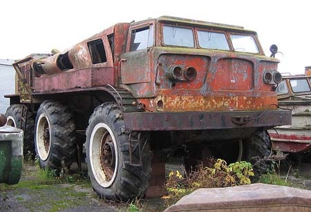 ZIL-E167 - Russian vehicle built during the 60s for difficult conditions such as Siberia.