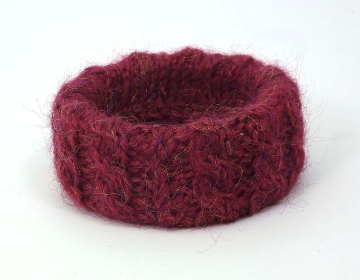 Bransoletka w bordowym sweterku - betulek - Bransoletki