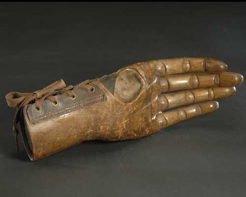 ☤ ☞ MD ☆☆☆ Articulated (jointed) wooden hand, 19th century, The Smithsonian Institution.
