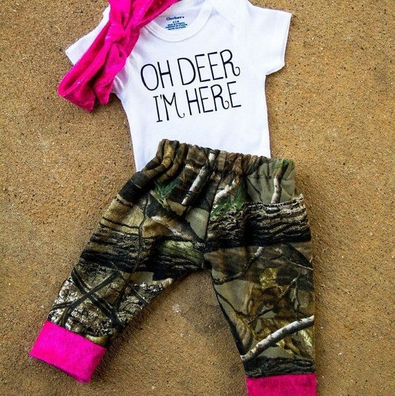 Baby coming home outfit,baby girl camo outfit,camo outfit,pink camo onesie,girl deer outfit,girl hunting outfit,girl camo coming home outfit