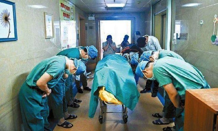 Checa por que fue reverenciado este niño por todo el equipo de médicos http://caracteres.mx/checa-por-que-fue-reverenciado-este-nino-por-todo-el-equipo-de-medicos/