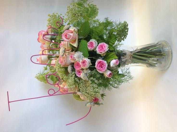 17 best art de vivre images on pinterest bouquets nosegay and bouquet. Black Bedroom Furniture Sets. Home Design Ideas