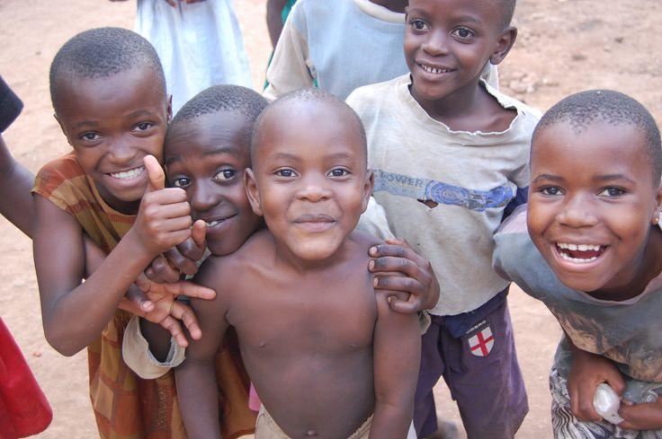 ICYE-programmet tager dig med på et 6- eller 12-måneders volontørophold i Uganda, hvor du kan arbejde frivilligt med børn, sundhed, ældre og meget andet.