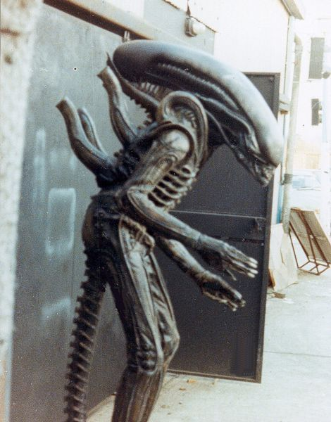 Rare Behind the Scenes Photos from Ridley Scott's ALIEN - News - GeekTyrant