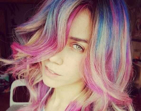 Κατερίνα Στικούδη: Έκανε τα μαλλιά της… πολύχρωμα! (φωτογραφία)