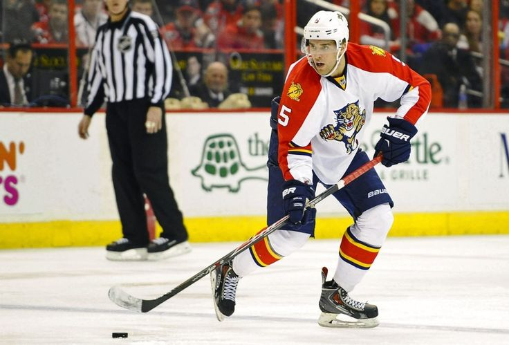 Will Aaron Ekblad Be Hit By a Sophomore Slump in '15-16? - http://thehockeywriters.com/will-aaron-ekblad-be-hit-by-a-sophomore-slump-in-15-16/