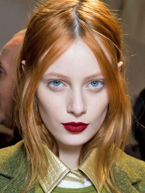 Koper is het nieuwe blond. En nu al dé haarkleur van het jaar. Naast de natuurlijke red heads zagen we veel geverfde koppies op de catwalk de afgelop...