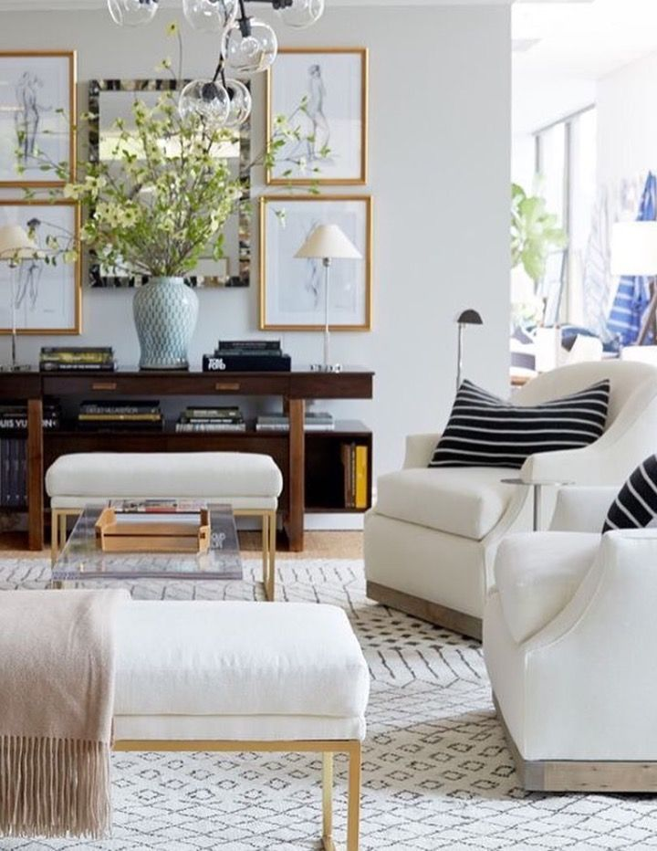 Modern Meets Traditional Neutral Living Room Decor Family Room Decorating Living Room Bench Living Room Designs