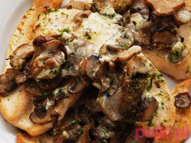 Polędwiczki wieprzowe w sosie grzybowym - poznaj  prosty przepis na polędwiczki i sprawdź, jak wyczarowaćpyszne danie obiadowe - polędwiczki wieprzowe z grzybami!