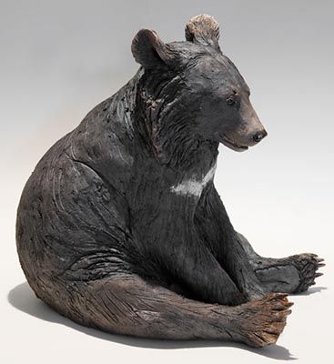 I like how, with the texture, the bear looks like it has fur even though clay is the only medium used.