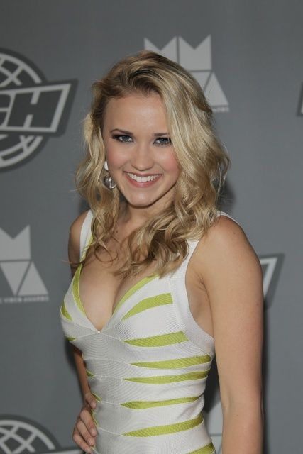 71432 Emily Osment Much Music Awards 005 122 534lo