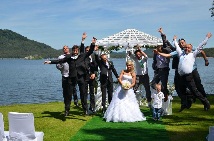 Svatba u Máchova jezera Svatba v hotelu Port  Váš den D připravíme včetně svatebního obřadu ve Vámi požadovaném stylu.   Více zde: http://www.hotelport.cz/firmy-a-skupiny/svatby-rauty-vecirky.html