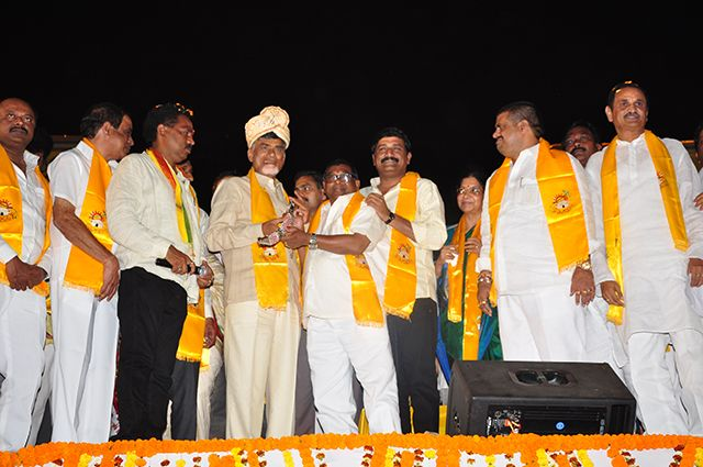 #TDP win a historical necessity: Chandrababu Naidu  http://www.thehansindia.com/posts/index/2014-03-13/TDP-win-a-historical-necessity-Naidu-89054  Visakhapatnam: Telugu Desam Party president N Chandrababu Naidu on Wednesday said that a TDP win in Seemandhra and Telangana was a historic necessity for the development of both the regions.
