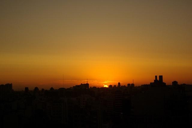 Puesta de sol by Maru Chao, via Flickr