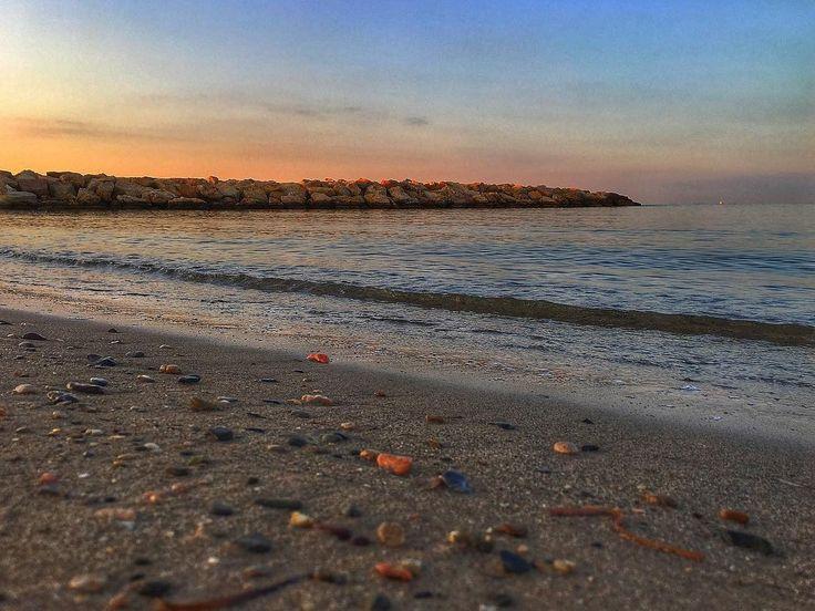The beach. #beach #seawaves #luis_jardi #logicaudio #freesound #cubase #luisjardi  #zoomf8 #sounds #soundeffects #gamesound #soundgame #effects