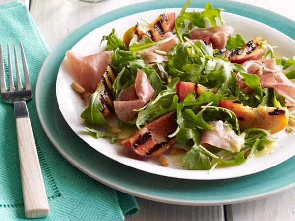 Arugula Salad with Ham and Grilled Peaches