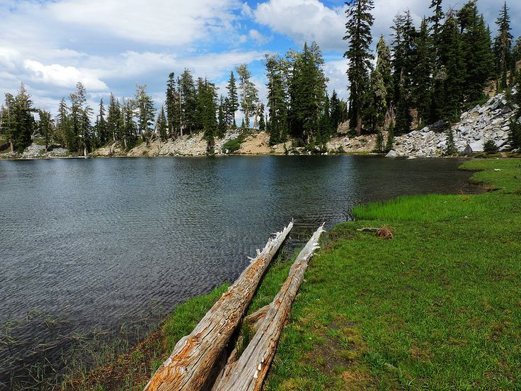 8 BEST HIKES IN LASSEN VOLCANIC, CALIFORNIA. Terrace Lake, Lassen Volcanic National Park, CA, USA - Csaba