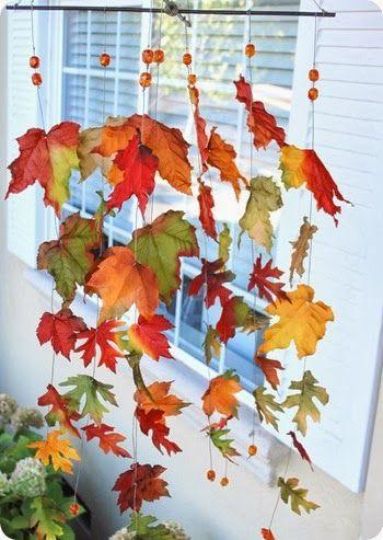 Para los días de lluvia podemos...   Hacer un atrapa sueños con hojas        Vía     Representar una obra con unas marionetas muy originales...