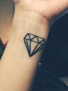 1000 ideas about diamond tattoos on pinterest tattoos for Sparkling star tattoo