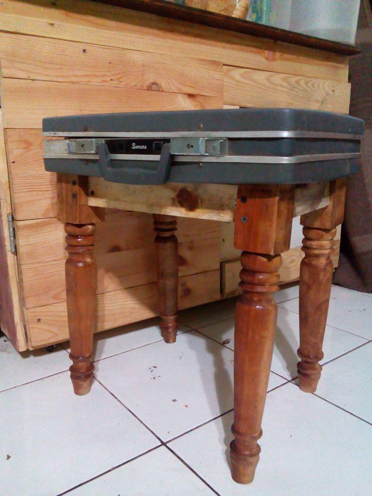 brieftcase stools