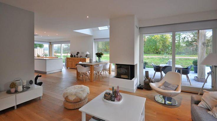 Eigentijdse woning Den-Haag: moderne Woonkamer door Bongers Architecten