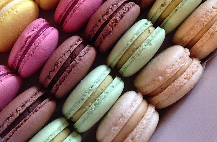 VÍKENDOVÉ PEČENÍ: Makronky - náplně z bílé čokolády