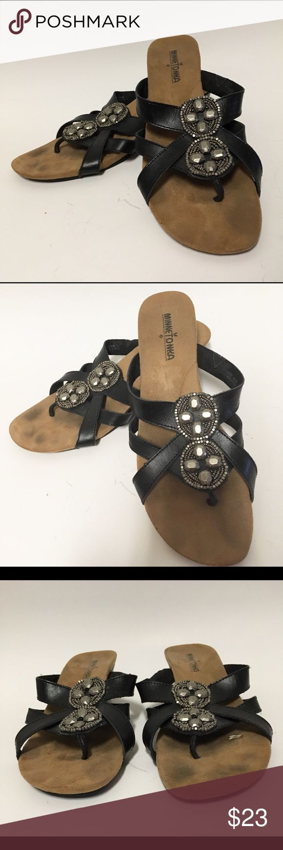 Minnetonka Wedge Sandals 9M Thongs Shoes Beaded Minnetonka Sandals Wedges Size 9M Minnetonka Shoes Sandals