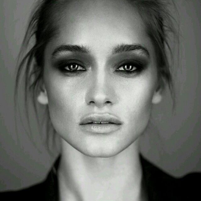 Drámai füstös szemek #makeup #smink #smokey #dramatic #fashion