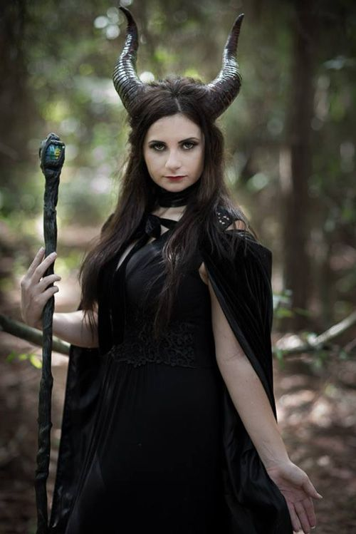 Maleficent Cosplay : Scarlett Rose Cosplay looks stunning cosplaying as Maleficent!