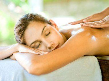 Foot Massage? Back Massage? Ή ολοκληρωμένη περιποίηση προσώπου;