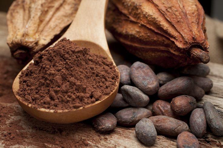 Rohe Schokolade wird gern als Superfood betrachtet → Rohe Schokolade ist gesund & macht glücklich → Was muss man über das Lebensmittel wissen?