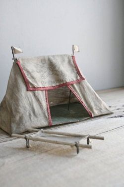 Soldier tent toy