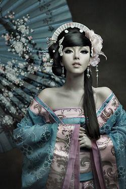 Китайская косметика. Крем для лица, пилинг, пластыри, китайские зубные паста, маски для лица